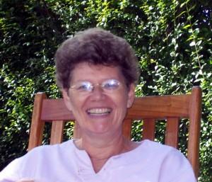 Marijke Schweitz, auteur van verhalen voor jongeren en van de jeugdroman De andere zijde van de zon.