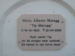 Opschrift graf Marugg, 072, Roodeweg, Otrobanda, Curaçao © A. Beukenhorst, 2013